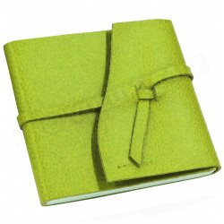 Carnet de voyage 15x15 cuir Vert-anis Beaubourg